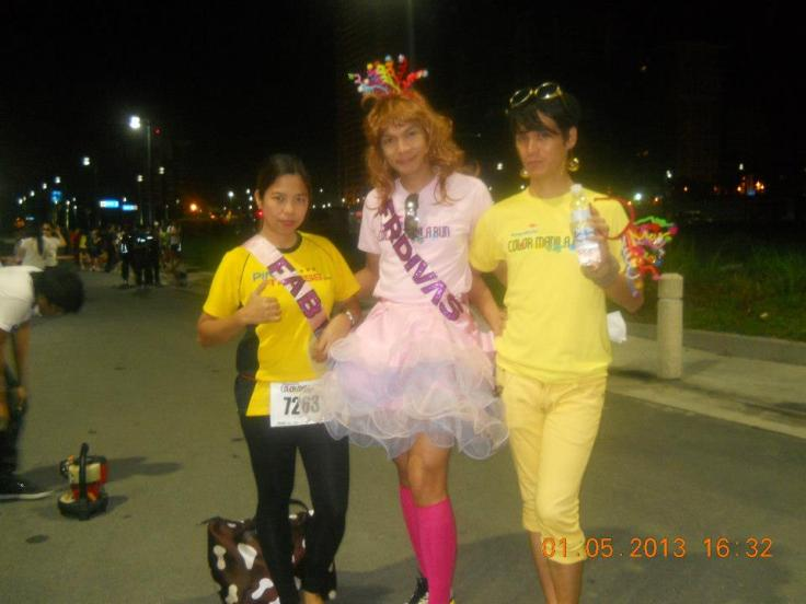 With my fellow FRD Blue of the yellow group (not matching) and Juvy who will run barefoot the diva way!